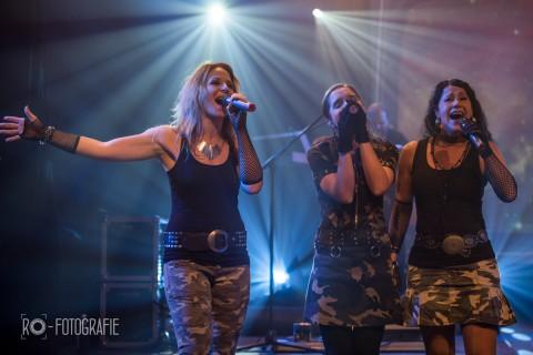 RPWL DVD Live-Recording »A New Dawn«, Luitpoldhalle Freising, von links nach rechts: Bine Heller, Julia Schröter, Conny Kreitmeier